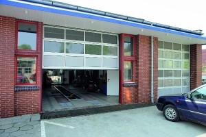 Brama przemysłowa segmentowa, aluminiowa